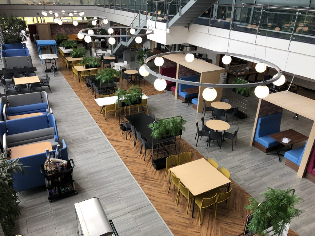 Experian eating and collaborative spaces